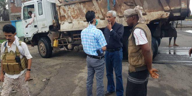 جهود مكثفة لتفادي اضرار السيول وشفط المياه من شوارع خور مكسر